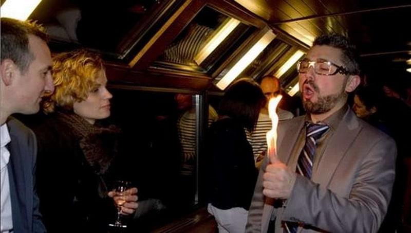 magicien-soirée-privée-à-domicile-à-Lyon-min