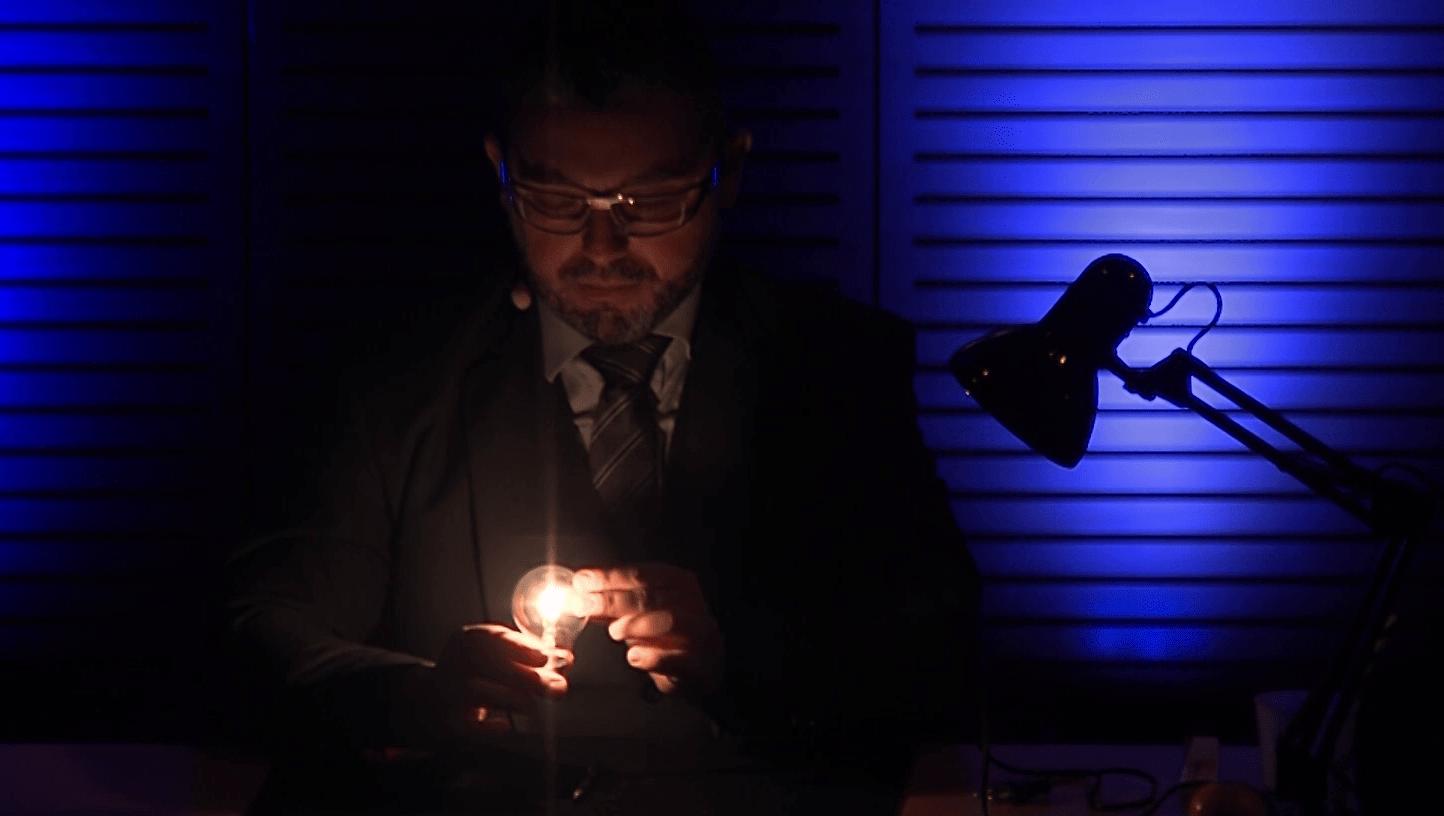 animation soirée à domicile Lyon magicien de close-up